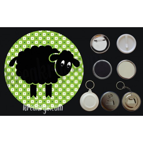 Badge Saint Patrick's mouton noir fond vert fleuri