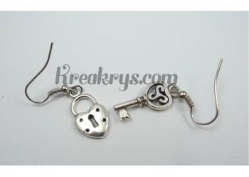 Boucles d'oreilles Charm's argentées clé &cadena