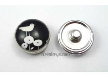 Bouton pression verre Oiseau blanc sur fleur ronde fond noir