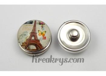 Bouton pression Tour Eiffel avec un petit papillon