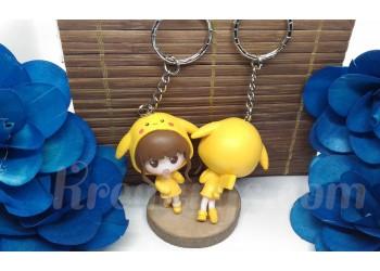 Porte-clé Figurine résine fille déguisé en pikachu