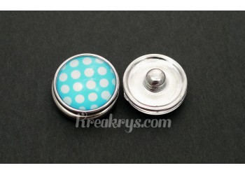 Bouton pression Gros pois blanc fond bleu clair