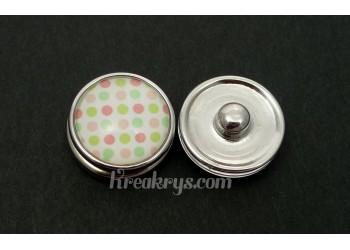 Bouton pression Petits Pois rose et vert fond blanc
