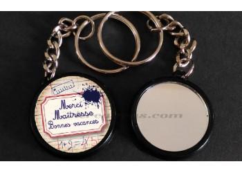 Badge Collection fin d'année scolaire - Merci Maîtresse et Bonnes Vacances