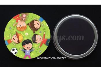 "Badge 25 mm Magnet collection ""Ma routine-activités"" : copains/copines"