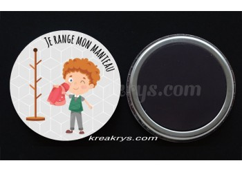 "Badge 25 mm Magnet collection ""Ma routine des tâches quotidienne"" : Je range mon manteau"