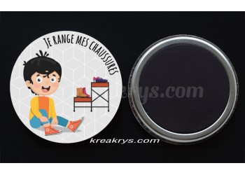 "Badge 25 mm Magnet collection ""Ma routine des tâches quotidienne"" : Je range mes chaussures"