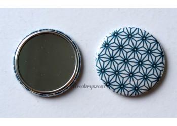 Badge 58mm Miroir de Poche Tissu Asanoha bleu canard, noir sur fond blanc