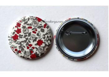 Badge 58 mm Broche épingle avec tissu Fleuri rouge/gris/blanc