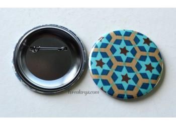 Badge 58 mm Broche épingle avec tissu géométrique etoilé bleu et marron