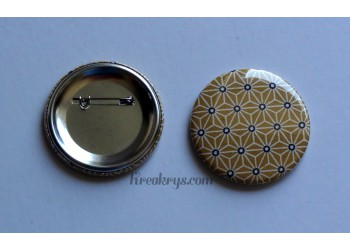 Badge 58 mm Broche épingle avec tissu Asanoha jaune moutarde